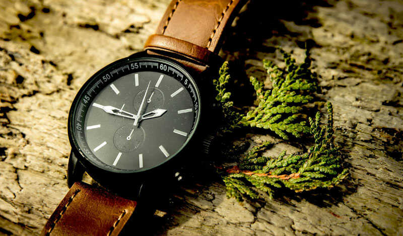 15 Best Watches For Men Under 2000 Rupees In India That Are Worth Buying