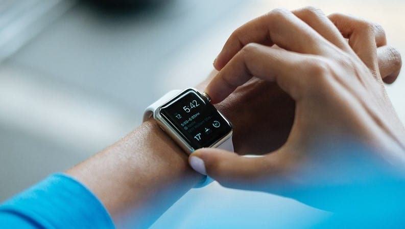 How To Use A Smartwatch Without A Smartphone?